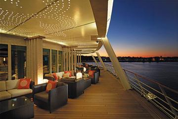 Horizon lounge deck Voyager