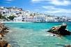 Helderblauwe water van Mykonos